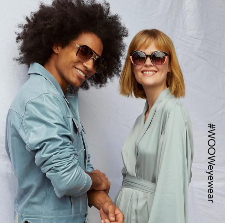 Mann und Frau mit Sonnenbrillen